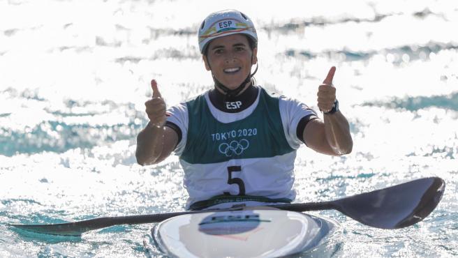 Maialen Chourraut celebra su segunda posición en Tokio 2020.