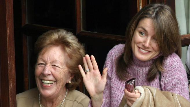 SARDEU, RIBADESSELLA, ASTURIAS, SPAIN, 2004 January 31st: Prince Felipe and Letizia Ortiz Rocasolano finished their visit to Asturias having lunch with the grandparents of Letizia Ortiz, Menchu Álvarez del Valle and Jos