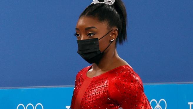 Simone Biles, tras su ejercicio de salto en los Juegos de Tokio.