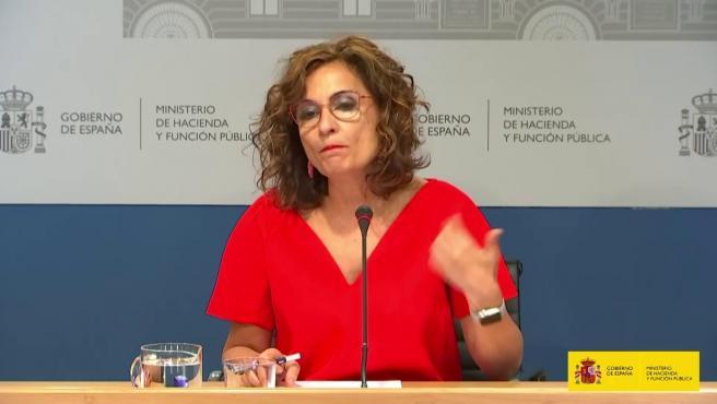 Montero insiste en la importancia de acudir a la Conferencia de Presidentes