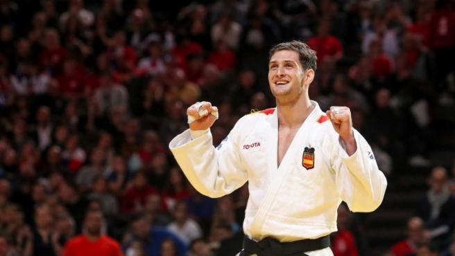 Niko Shera debuta con triunfo en Tokyo 2020 contra el mongol Gantulga