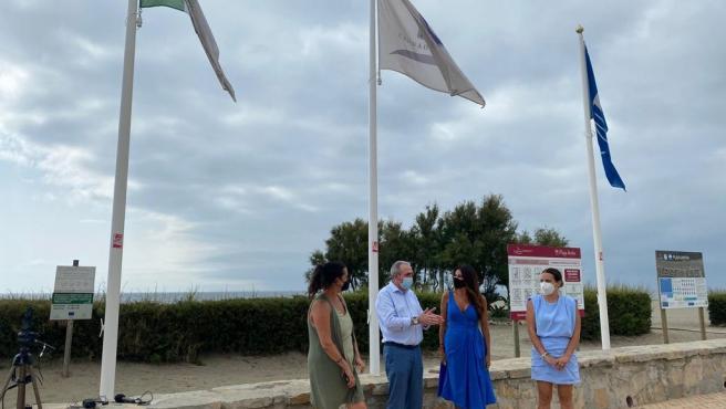 """Turismo.- La Junta destaca la """"excelencia turística"""" que oferta el litoral malagueño en su visita a Casares"""