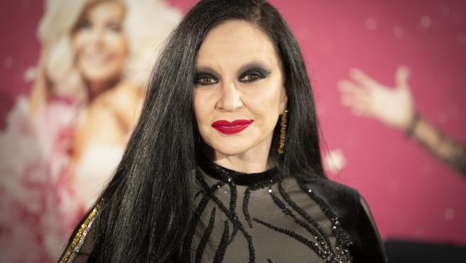 La cantante Alaska posa en un photocall en Madrid.