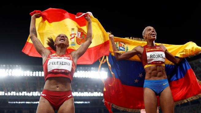 Ana Peleteiro y Yulimar Rojas, tras ganar sus medallas en Tokio 2020
