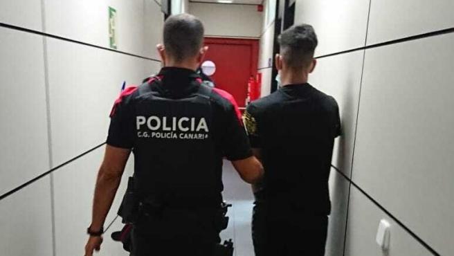 Detenido por una presunta agresión sexual cometida en la playa de Las Canteras