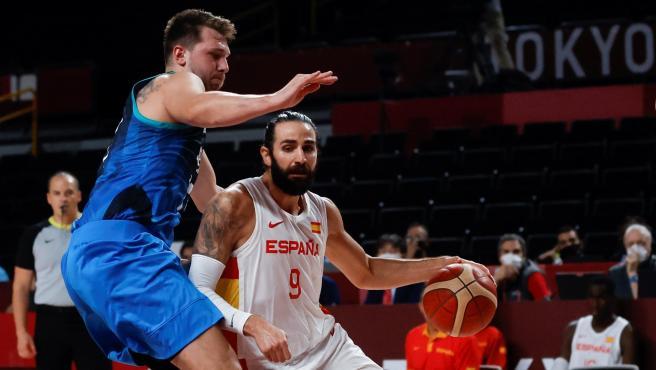 Ricky Rubio y Luca Doncic, en el España vs Eslovenia.