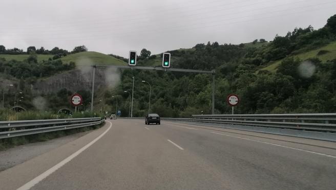 Doce personas heridas en los 38 accidentes del fin de semana en las carreteras asturianas