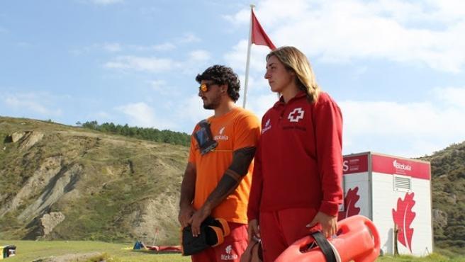 La bandera roja ondea este lunes en las playas vizcaínas de La Arena, Barinatxe y Arriatera-Atxabiribil