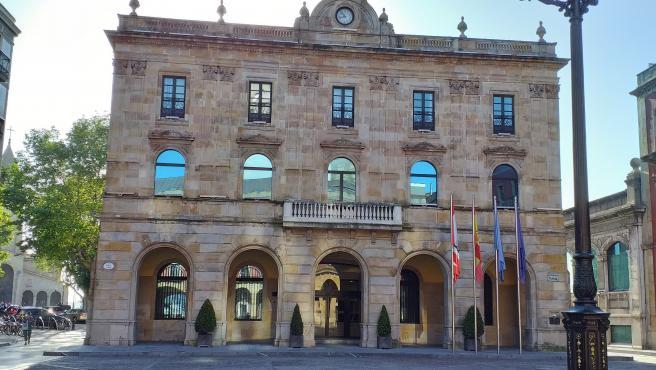 La oposición aprueba en Pleno pedir a la Junta del Principado una comisión de investigación por la ITV de Granda
