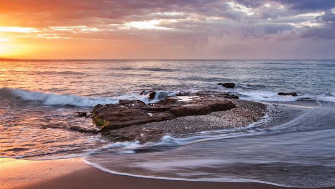 En la provincia de Murcia podemos encontrar playas con poca gente donde disfrutar de nuestras vacaciones en tranquilidad.
