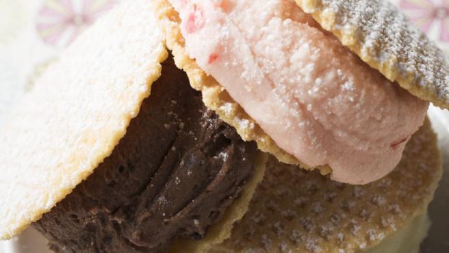 De nata, de fresa, de chocolate, de vainilla... el sándwich helado es uno de los grandes protagonistas del verano.