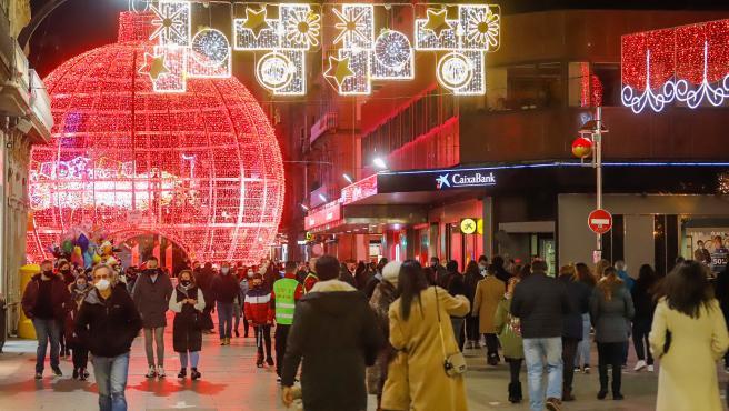 """Abel Caballero prevé """"millones"""" de visitas en Navidad, cuyo alumbrado comienza a montarse este miércoles en Vigo"""