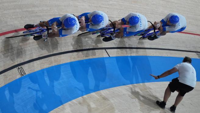 Equipo italiano de persecución en pista.