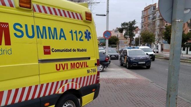 Herida muy grave una bebé de 16 meses al precipitarse accidentalmente desde un segundo piso en Villaverde Bajo