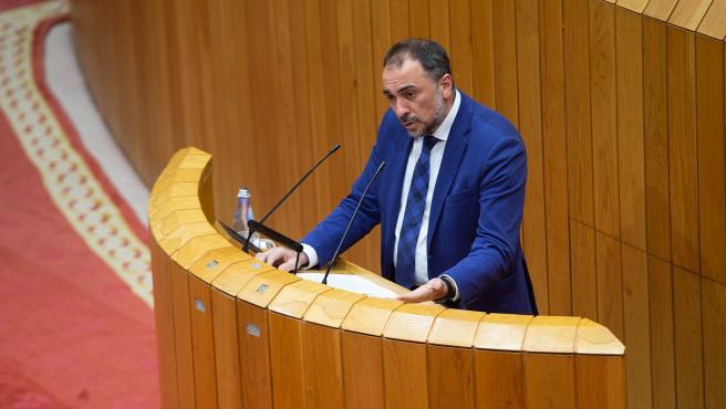 O conselleiro de Sanidade, Julio García Comesaña, responderá no pleno do Parlamento varias preguntas relacionadas co seu departamento.  foto xoán crespo 10/02/2021