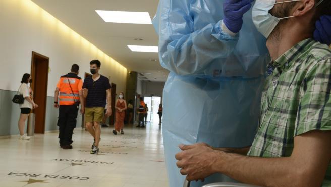 CRIBADO CON PRUEBAS PCR PARA PERSONAS DE 16-35 ANOS DE LOS CONCELLOS DE OURENSE Y BARBADÁS ANTE EL AUMENTO DE CONTAGIOS, POR BOTELLÓN, ENTRE OTRAS CAUSAS.INTERIOR DEL RECINTO FERIAL Y DEPORTIVO EXPOURENSE, DONDE SE HAC