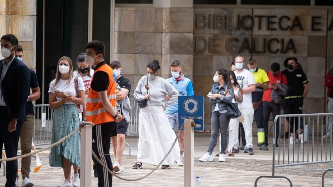 Galicia abrirá 25.000 nuevas autocitas de vacunación para jóvenes de entre 16 y 22 años