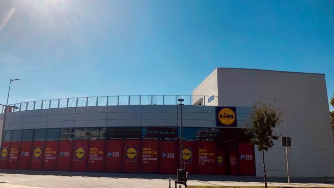 Lidl invierte 4,5 millones en su tercera tienda en la capital y crea 24 nuevos empleos