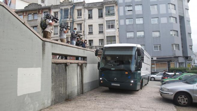 A Coruña Entrada a los Juzgados de A Coruña los  investigados mayores de edad, así como las partes personadas en el caso, para asistir a una comparecencia en la que se les concretará la imputación, tal y como requie