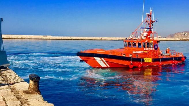 Sucesos.- Salvamento Marítimo rescata dos pateras con 26 personas de origen magrebí que estaban a la deriva