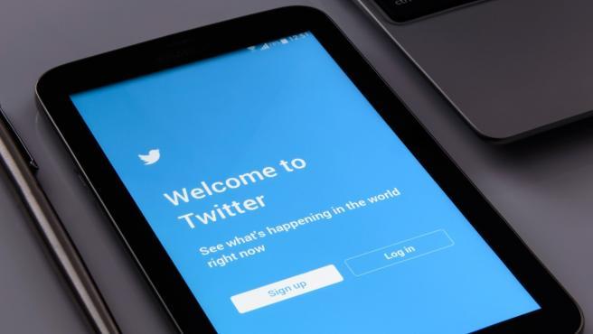 En Twitter se pueden ver los temas e intereses que consideran que son del agrado del usuario.