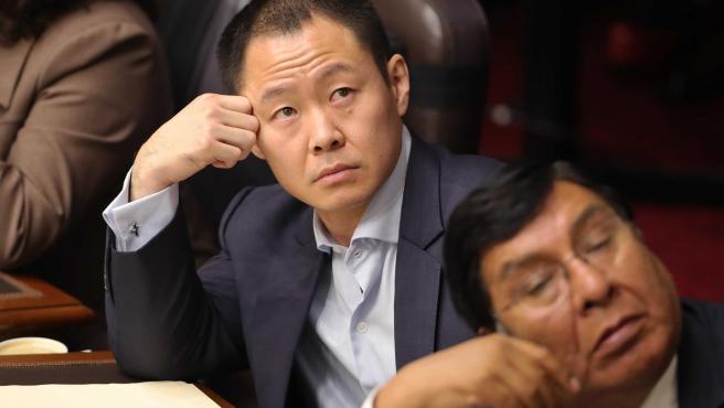 Fotografía de archivo fechada el 6 de junio de 2018 que muestra al entonces congresista Kenji Fujimori durante una sesión en Lima (Perú).
