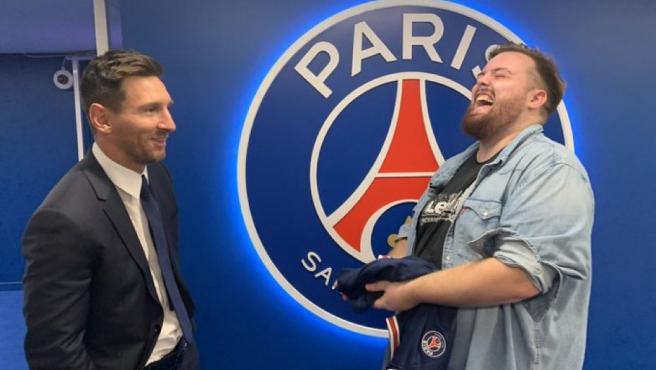 Messi e Ibai, en el Parque de los Príncipes durante la entrevista en Twitch.
