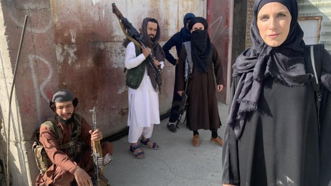 Clarissa Ward, reportera de CNN, en las calles de Kabul este lunes.