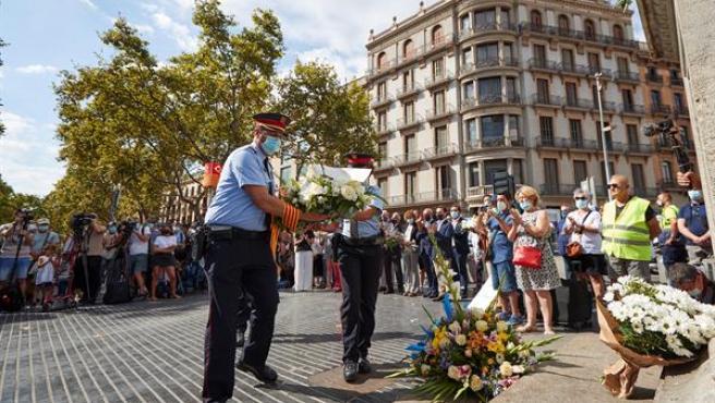 Homenaje a las víctimas del atentado de Las Ramblas y de Cambrils.