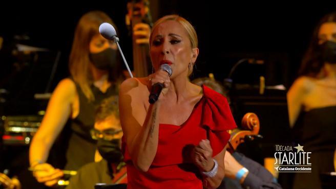 Plácido Domingo y Marta Sánchez cantan el himno de España creado por la cantante