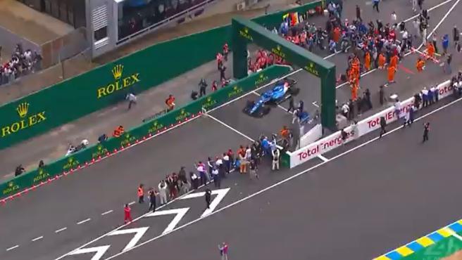 Fernando Alonso, en el circuito de Le Mans con el Alpine de F1