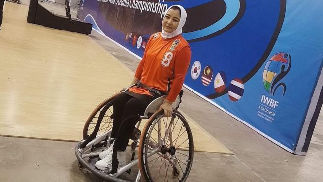 Latifa Sakhizadeh, jugadora la selección afgana de baloncesto en silla de ruedas