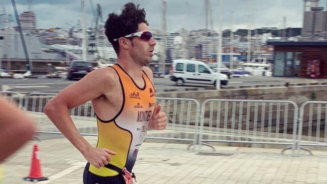 El triatleta Francisco Montiel, durante una prueba