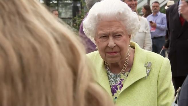 Isabel II prepara una batalla legal contra Meghan y Harry