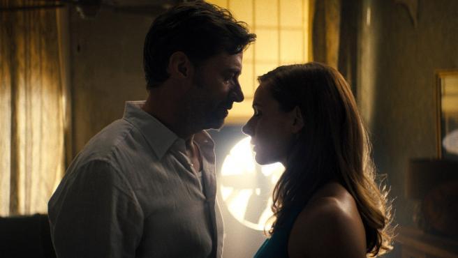 Hugh Jackman y Rebecca Ferguson en 'Reminiscencia'.