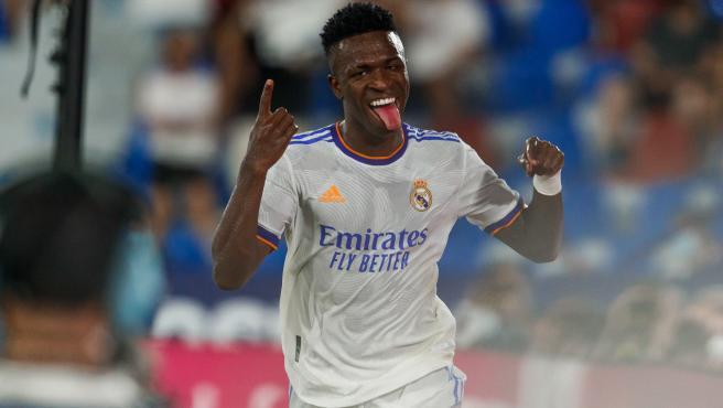 Vinícius celebra un gol con el Real Madrid