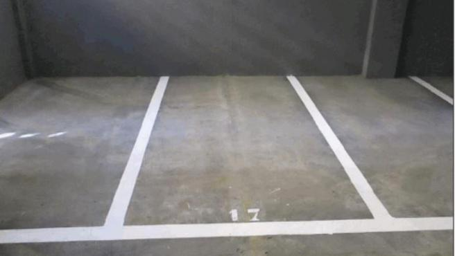 Adif saca a subasta pública once plazas de aparcamiento para vehículos de dos ruedas en San Jerónimo