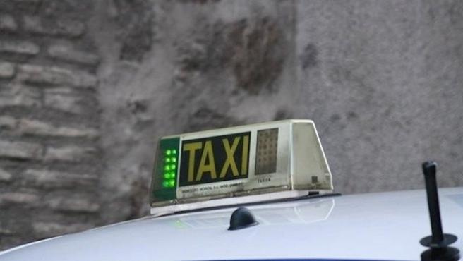 """Podemos Sant Antoni rechaza la nueva ordenanza del taxi porque """"abre la puerta a la especulación"""""""