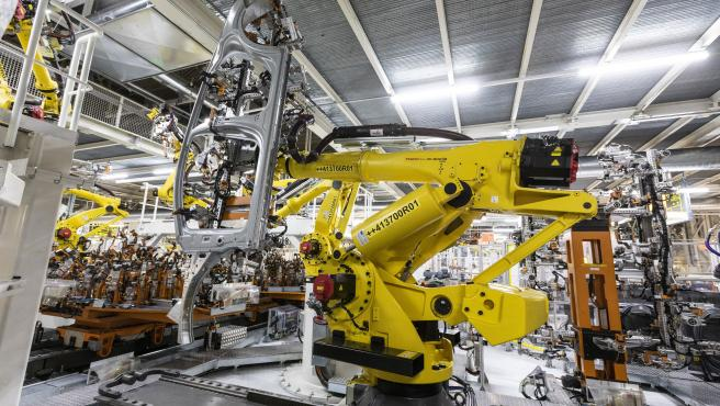 Seat incorpora dos robots que permiten ensamblar piezas de hasta 400 kilos