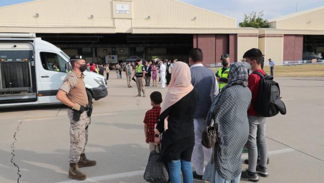 El Consell de Mallorca acoge a una familia española evacuada de Afganistán