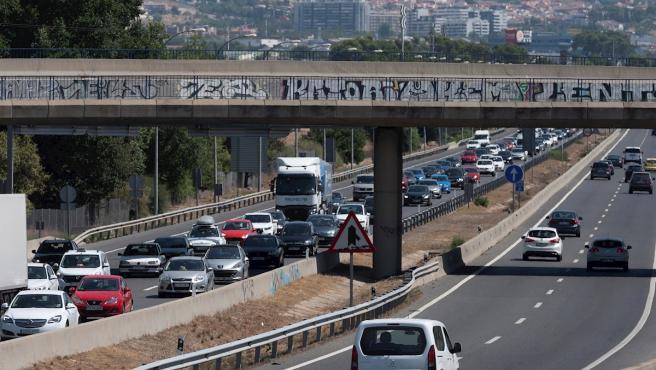Tráfico en la A3 sentido Madrid a la altura de Rivas Vaciamadrid en la operación retorno de verano.
