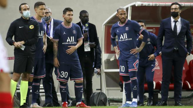 Ander Herrera y Messi antes de entrar al campo frente al Reims