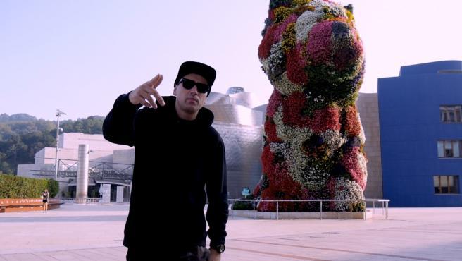 Un rap de Gransan, titulado P.U.P.P.Y, recaudará fondos para la restauración de la escultura floral de Jeff Koons