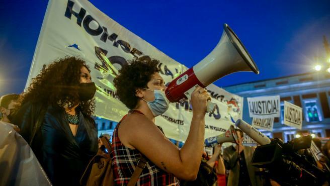 Más de 600 personas se concentran en la Puerta del Sol para denunciar las últimas agresiones homófobas