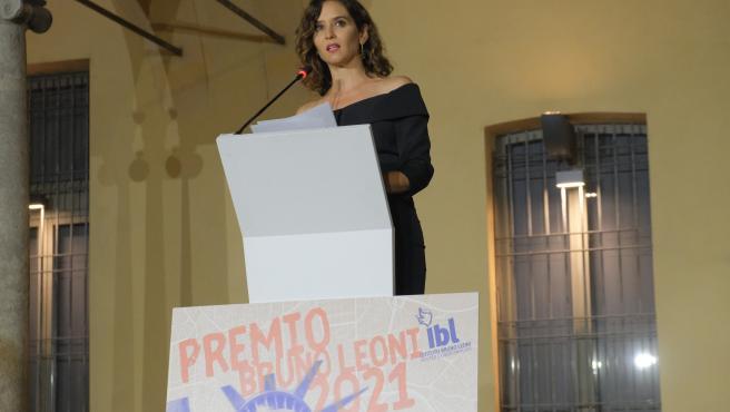Díaz Ayuso anuncia que a partir del 20 de septiembre habrá libertad horaria en hostelería y ocio nocturno, donde se incrementan los aforos  Declaraciones de la presidenta de la Comunidad de Madrid en Milán, donde ha recibido el premio Llama de la Libertad concedido por el Instituto Bruno Leoni