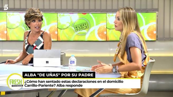 Alba Carrillo y Sonsoles Onega discuten en el programa 'Ya es mediodía'.
