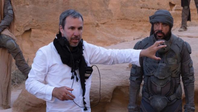 Denis Villeneuve y Javier Bardem en el set de 'Dune'