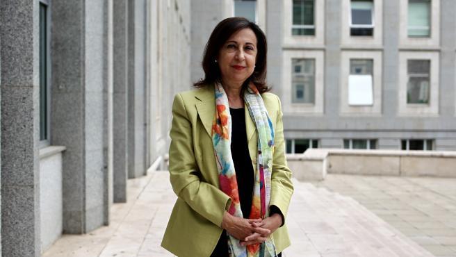 La ministra de Defensa, Margarita Robles, durante la entrevista.