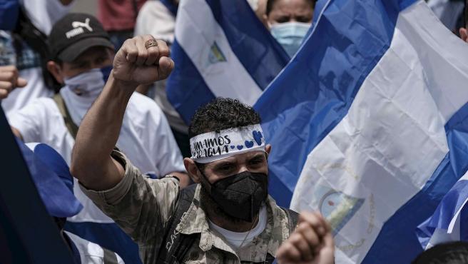 Protestas de ciudadanos nicaragüenses en Costa Rica contra Daniel Ortega