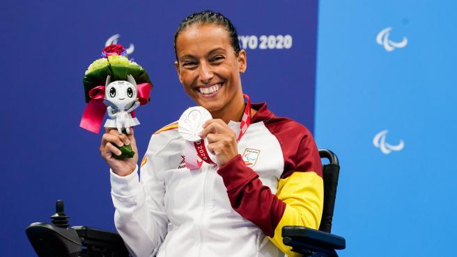 Teresa Perales, con su medalla de plata en los 50 espalda S5 de los Juegos Paralímpicos de Tokio